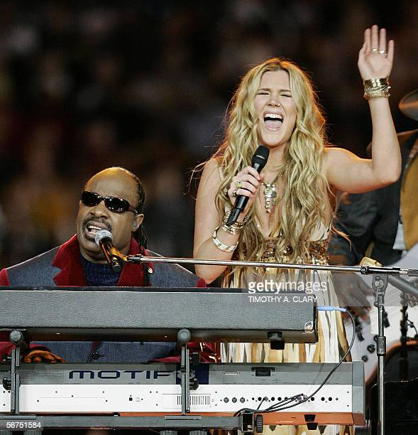 Joss Stone and Stevie Wonder perform during pregame entertainment 05 February 2006 at Ford Field prior to Super Bowl XL in Detroit MI The Pittsburgh...