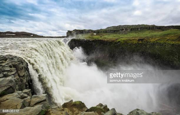 dettifoss  waterfall in vatnajökull national park in northeast iceland - バトナ氷河 ストックフォトと画像