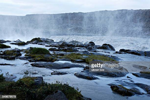 Dettifoss waterfalljokulsakgliufur national park North Iceland