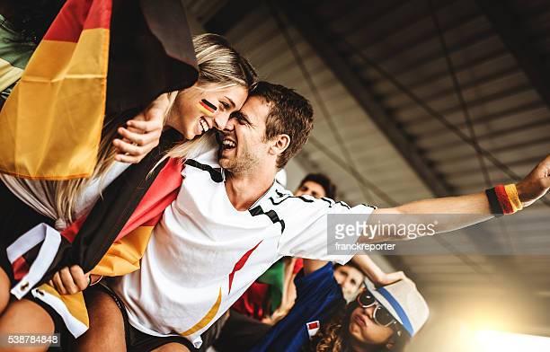 deutsch unterstützer im fußballstadion - fan stock-fotos und bilder