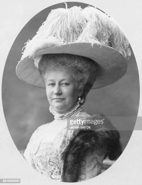 Deutsche Kaiserin Königin von Preussen Gattin von Kaiser Wilhelm II Erich Sellin Originalaufnahme im Archiv von ullstein bild