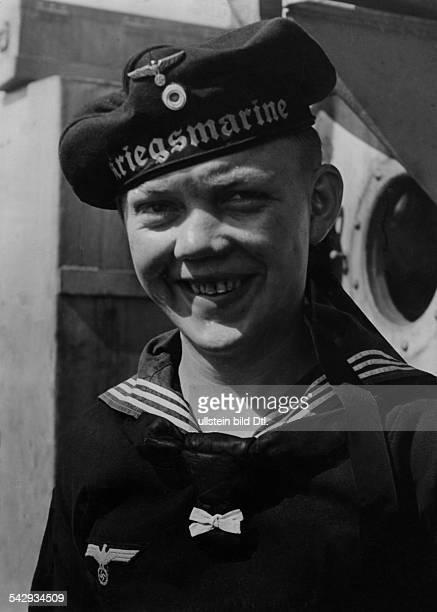 Deutsche Kriegsmarine Junger Heizer eines UBootes erschienen in Koralle 23/1943