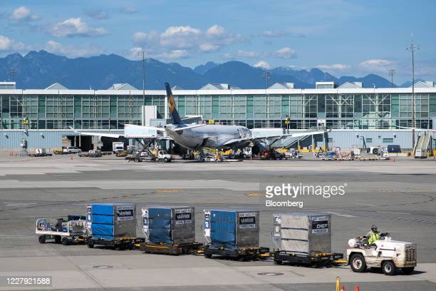 Deutsche Lufthansa AG flight loads on the tarmac at Vancouver International Airport in Vancouver, British Columbia, Canada, on Tuesday, Aug. 4, 2020....