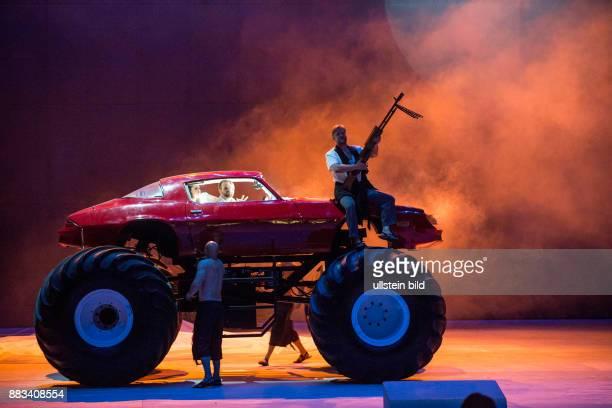Deutsche Oper Berlin Titel Die Entfuehrung aus dem Serail Autor Wolfgang Amadeus Mozart Musikal Leitung Donald Runnicles Insz Rodrigo Garcia Buehne...