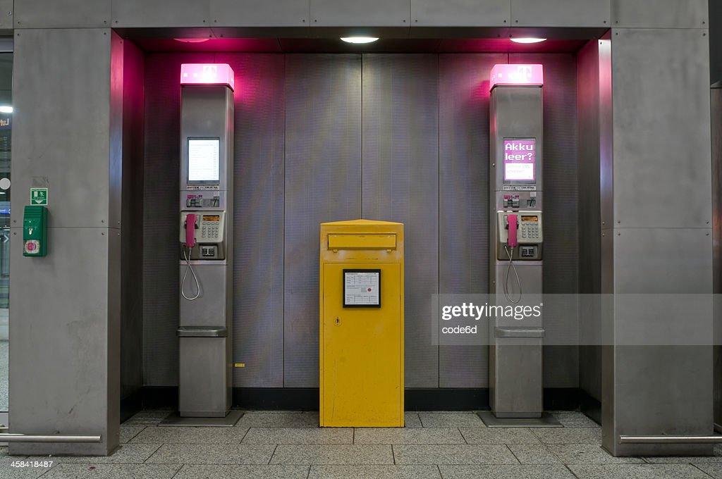 Phone Booth Deutsch