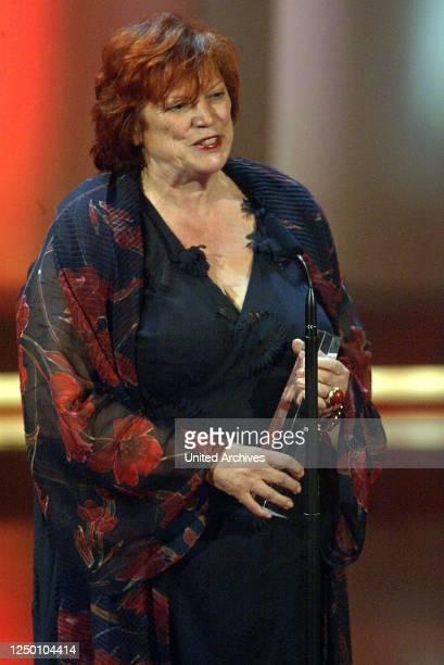 Deutscher Fernsehpreis 2004 - Verleihung des 6 Deutschen Fernsehpreises im Coloneum in Köln. Preisträgerin.