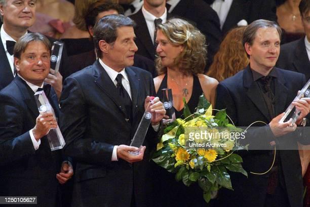 Deutscher Fernsehpreis 2004 - Verleihung des 6 Deutschen Fernsehpreises im Coloneum in Köln. Finale. Udo Jürgens und Olli Dietrich.