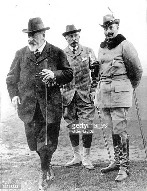 27011859 Deutscher Kaiser 1888 1918 König von Preussen Wilhelm II in Highcliffe mit König Eduard VII von Grossbritannien und dem Herzog von Connaught...