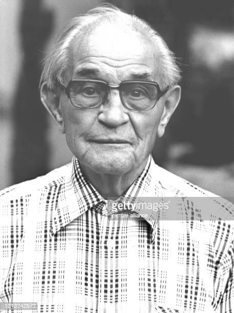 Deutscher Protestant, aufgenommen am 8.9.1977. Der im Jahr 1892 geborene Pastor, der noch im Ersten Weltkrieg als U-Boot-Kommandant gedient hatte,...