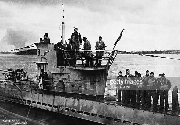 Deutsches UBoot kehrt von der Feindfahrt in seinem Heimathafen an der französischen Atlantikküste zurückSeptember 1940