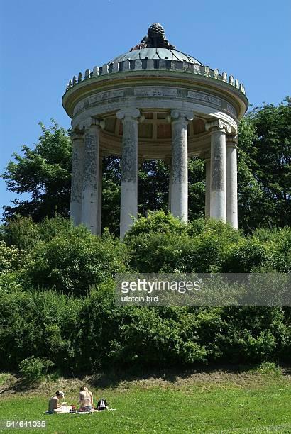 Muenchen Monopteros Im Englischen Garten Pictures Getty Images