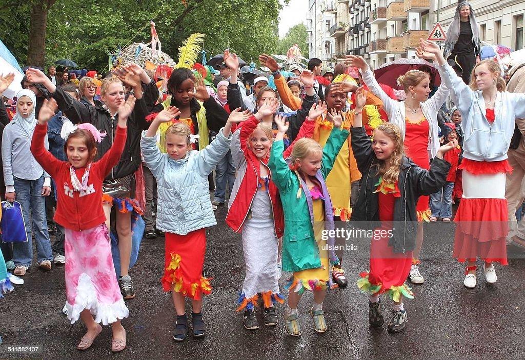 Berlin - Kinder-Karneval der Kulturen 2006 Pictures | Getty Images
