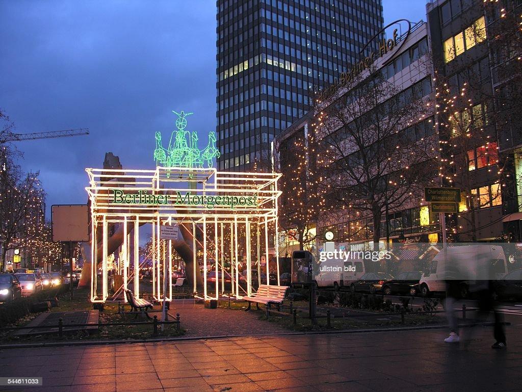 Weihnachtsbeleuchtung Berlin.Deutschland Berlin Charlottenburg Lichtkunstwerk Brandenburger