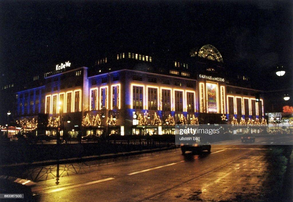 Weihnachtsbeleuchtung Berlin.Deutschland Berlin Das Kaufhaus Des Westens Mit Weihnachtlicher
