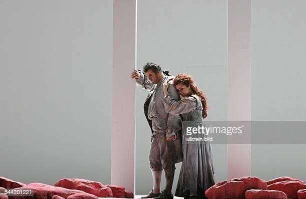 Deutschland, Berlin, Deutsche Oper: Szene aus der Oper: Manom Lescaut. Autor: Giacomo Puccini. Inszenierung: Gilbert Deflo. Premiere: 19. Dezember...