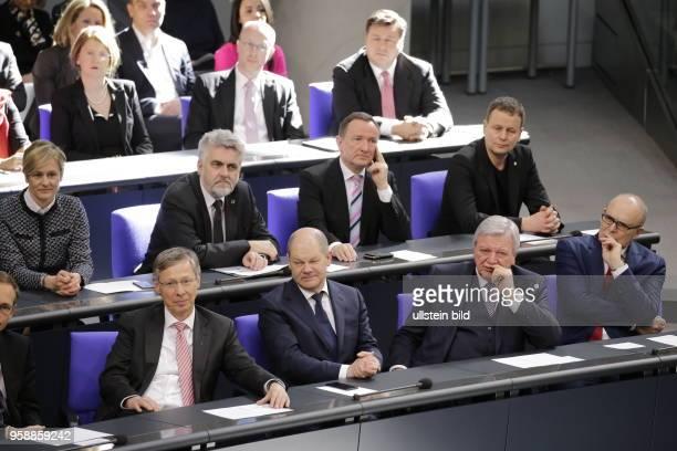 Deutschland Berlin Deutscher Bundestag Plenarsaal Vereidigung des neuen Bundespräsidenten FrankWalter Steinmeier bei einer gemeinsamen Sitzung von...