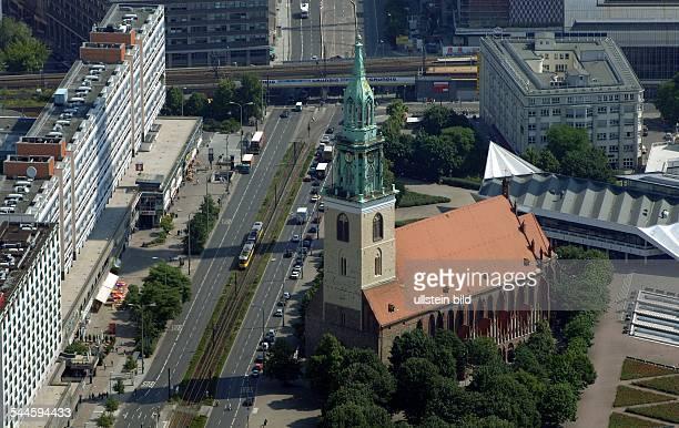 Deutschland, Berlin Mitte: die Marienkirche- Luftaufnahme