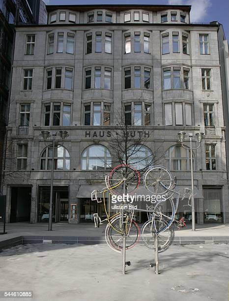 Deutschland Berlin Mitte Potsdamer Platz Konzernrepräsentanz von Daimler Benz im Haus Huth