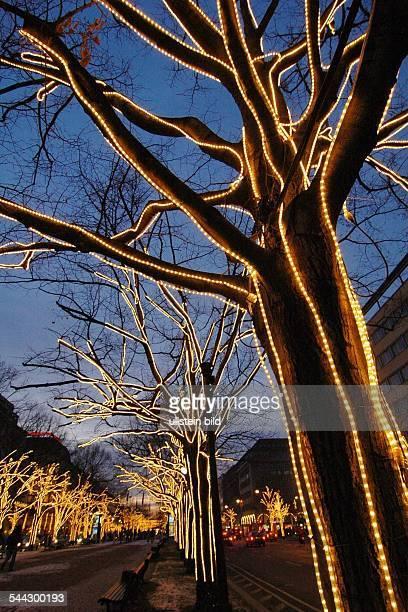 Unter Den Linden Weihnachtsbeleuchtung.Deutschland Berlin Mitte Weihnachtsbeleuchtung Unter Den Linden