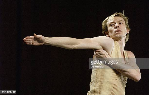 Haus der Kulturen der Welt Berlin Festival Tanzkongress Deutschland Company Sasha Waltz Guests Staatsballett Berlin Titel Solo fuer Vladimir Malakhov...