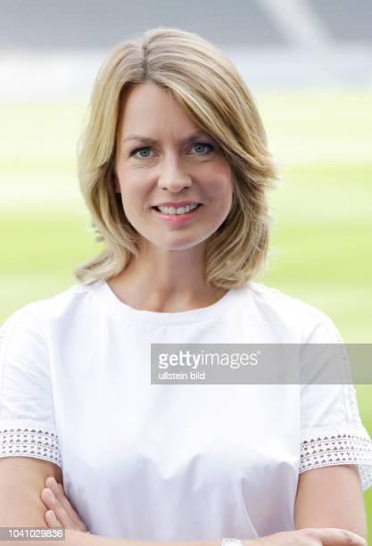 Deutschland, Berlin, RBB Fototermin mit Sportschau-Moderatorin Jessy Wellmer