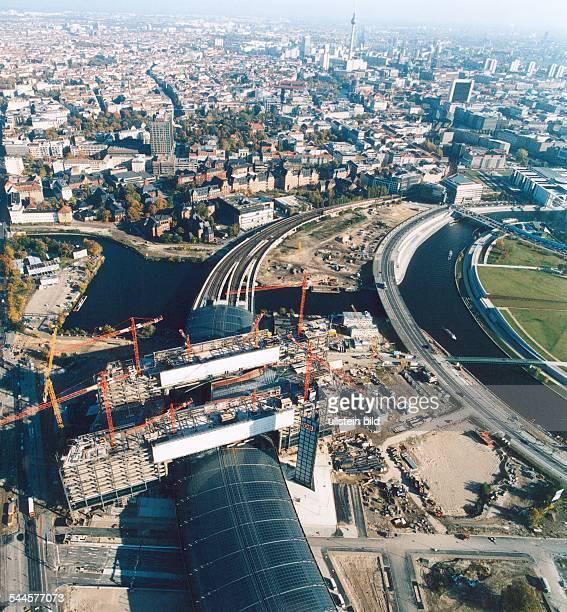 Deutschland, Berlin Tiergarten: Berliner Hauptbahnhof,Lehrter Bahnhof, Blick auf die Baustelle, Luftaufnahme