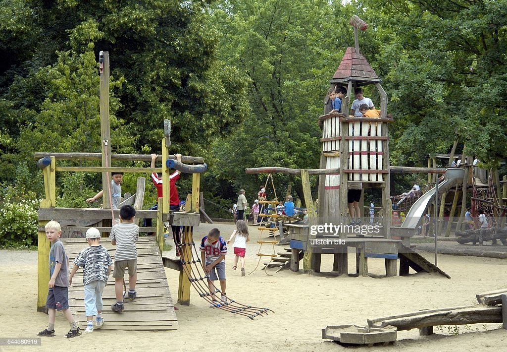 volkspark friedrichshain spielplatz news photo getty images. Black Bedroom Furniture Sets. Home Design Ideas