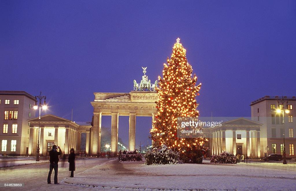 Berlin - Weihnachten am Brandenburger Tor Pictures | Getty Images