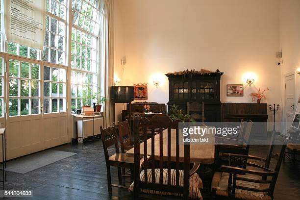 Deutschland Brandenburg Buckow In einem Wohnraum des BrechtWeigelHauses