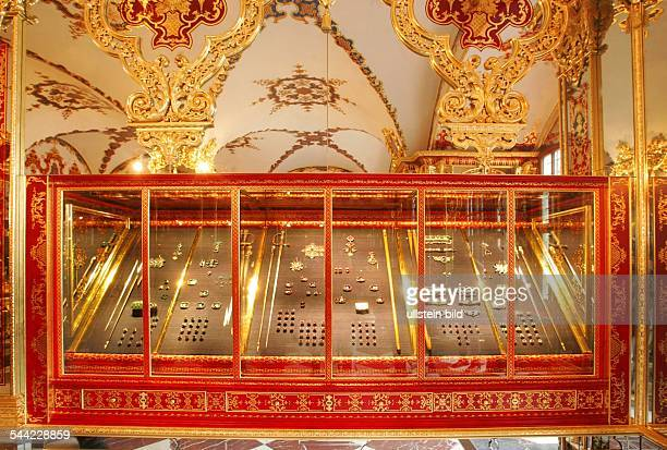 Deutschland Dresden das Grüne Gewölbe hier ein Schrein im Juwelenzimmer