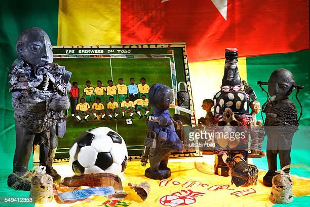 DEU Deutschland Essen Fussballfetischaltar aus Togo im Soul of Africa Museum