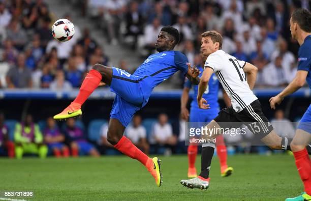 FUSSBALL Deutschland Frankreich Samuel Umtiti gegen Thomas Mueller
