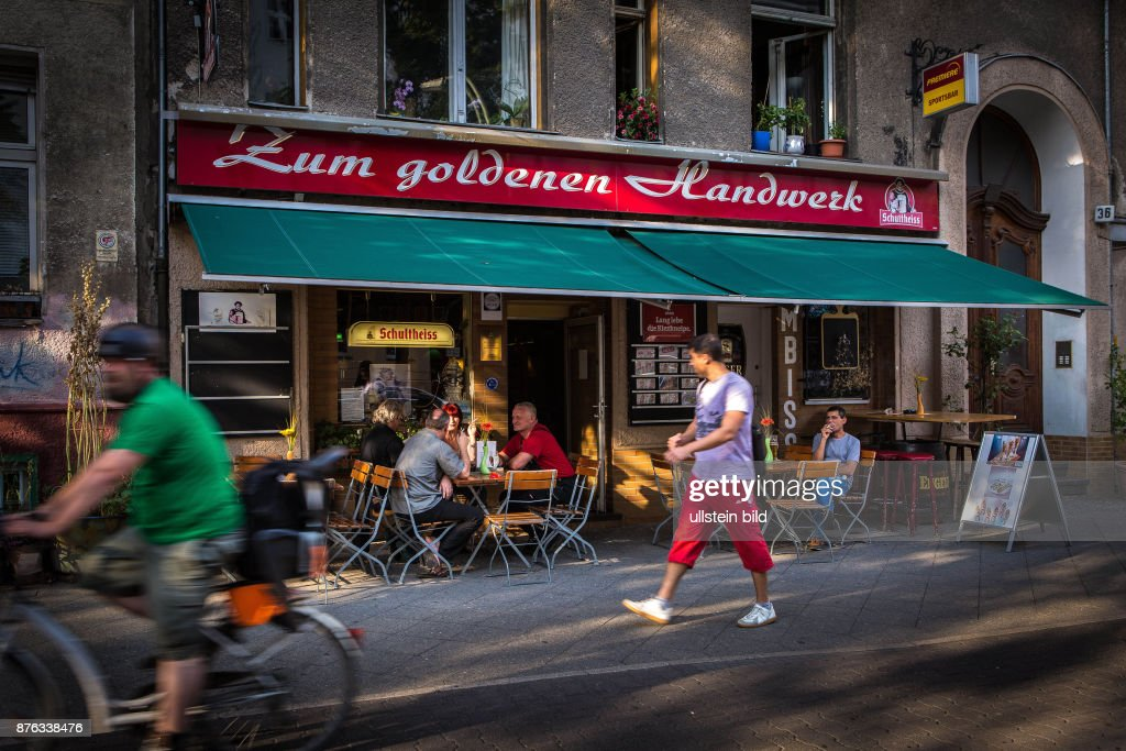 Handwerker Berlin deu deutschland germany berlin die alteingesessene kneipe zum