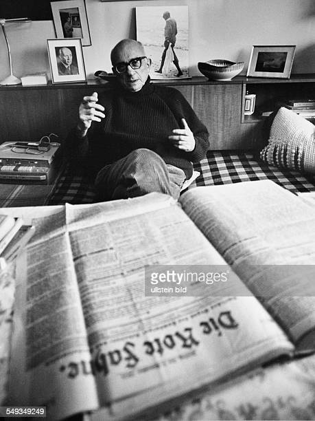 Deutschland Germany Hamburg Erich Wollenberg former communist now publisher and journalist with an issue of the newspaper Die Rote Fahne