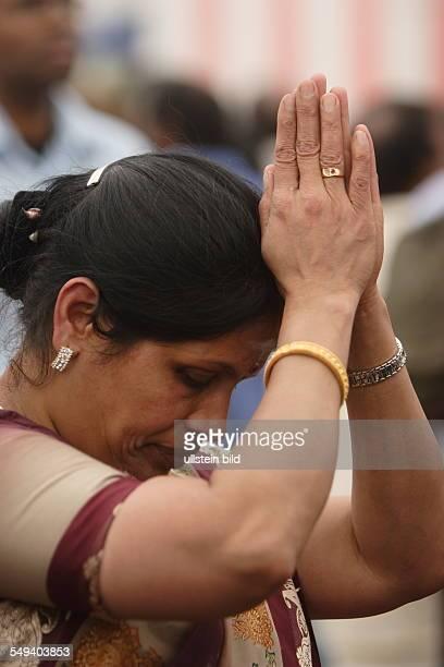 das in HammUentrop jaehrlich stattfindende Tempelfest Ca 15000 Hindus aus ganz Europa treffen sich jedes Jahr am Sri Kamadchi Ampal Tempel Dieses...