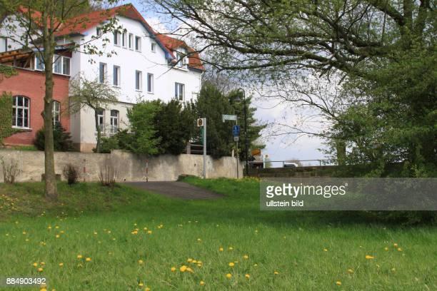 Deutschland Hessen Philippsthal frueherer Grenzverlauf bei der Druckerei Hossfeld an der Verbindungstrasse von Philippsthal nach Oberzella