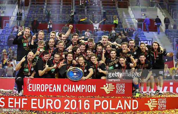 Deutschland ist Handball Europameister 2016 DHB Mannschaft feiert die Europameisterschaft Titel 12th Men's European Handball Championship Finale :...