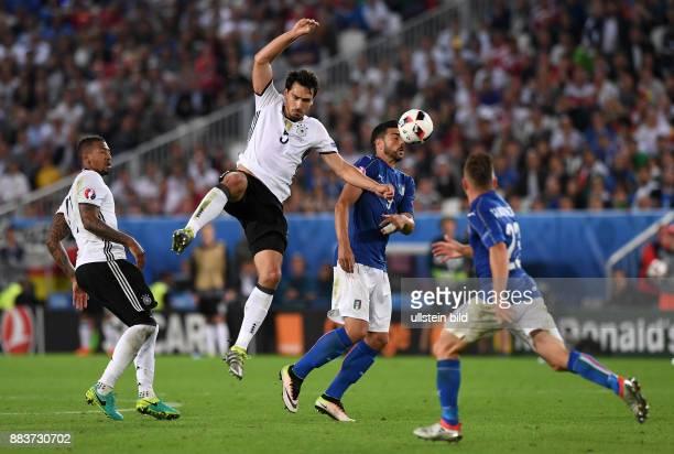 FUSSBALL Deutschland Italien Jerome Boateng und Mats Hummels gegen Graziano Pelle