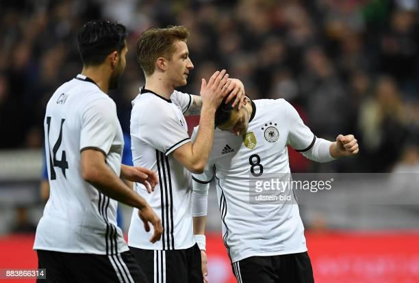 Deutschland - Italien Torjubel nach dem 4:0: Emre Can, Marco Reus und Mesut Oezil