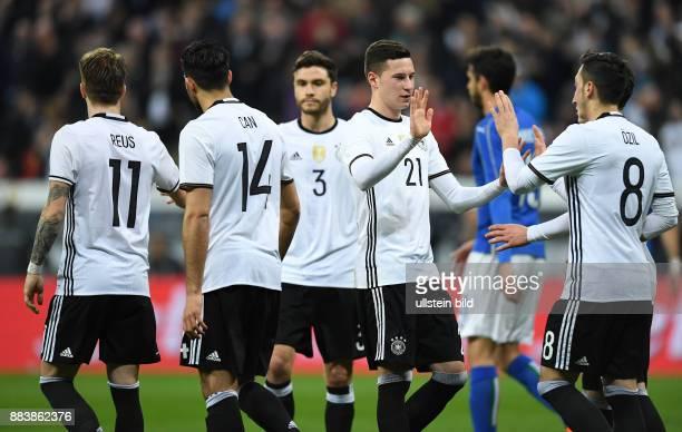Deutschland - Italien Torjubel nach dem 4:0: Marco Reus, Emre Can, Jonas Hector, Julian Draxler und Mesut Oezil