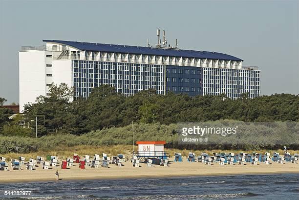 Deutschland, Mecklenburg-Vorpommern, Usedom: Hotel Baltic am Strand von Zinnowitz.