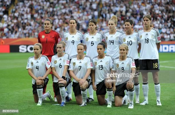 FUSSBALL FIFA Deutschland Nigeria Deutschland Nadine ANGERER Birgit PRINZ Annike KRAHN Kim KULIG Linda BRESONIK Kerstin GAREFREKES Babett PETER...