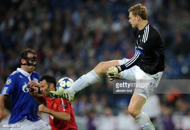 Deutschland NordrheinWestfalen Gelsenkirchen UEFA Champions League Saison 2010/2011 HalbfinalHinspiel FC Schalke 04 Manchester United 02...