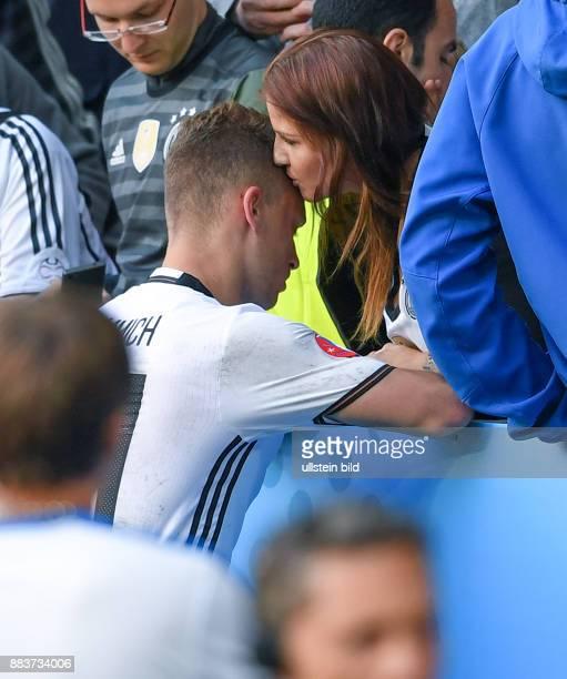 FUSSBALL Deutschland Slowakei Joshua Kimmich und Freundin Lina Meyer