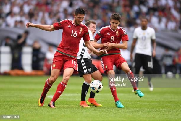 FUSSBALL INTERNATIONAL Deutschland Ungarn Mario Goetze gegen Adam Pinter und Adam Nagy