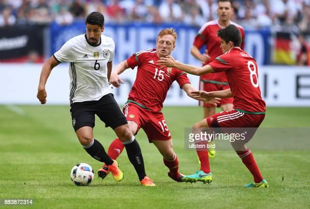 FUSSBALL INTERNATIONAL Deutschland Ungarn Sami Khedira gegen Laszlo Kleinheisler und Adam Nagy