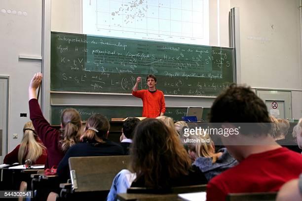 Deutschland Universitäten NordrheinWestfalen Bonn RheinischeFriedrichWilhelmUniversitaet MathematikVorlesung fuer BiologieStudenten