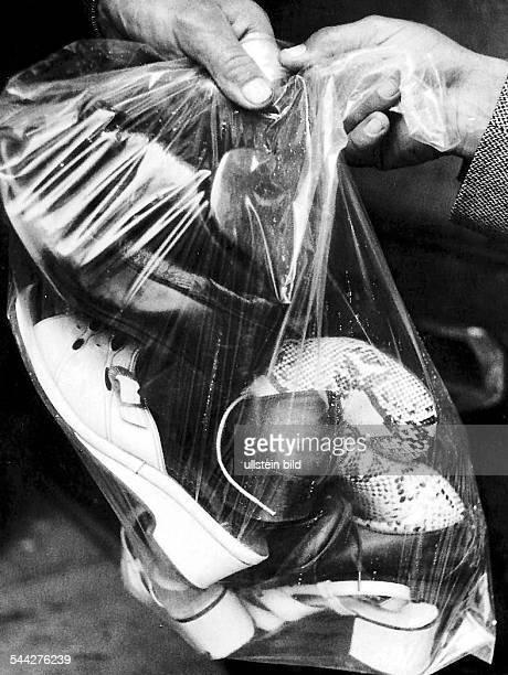 Deutschland Verbrechen Hamburg Fall Fritz Honka vierfacher Frauenmörder Sicherstellung von Beweismaterial Frauenschuhe der Opfer Juli 1975
