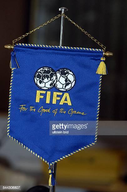 Deutschland Wimpel mit dem Logo des Weltfussballverband FIFA