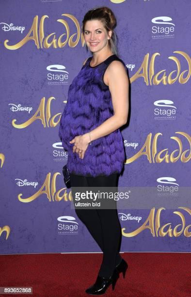 Deutschlandpremiere von Disneys ALADDIN am im Stage Theater Neue Flora Nina Bott ist eine deutsche Schauspielerin und Sängerin